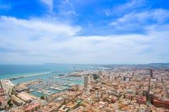 Alicante, mening van Santa Barbara Castle op de Benacantil-berg royalty-vrije stock afbeeldingen