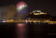 Alicante Miasto Noc z Błękit Zieloną i Czerwoną Jodłą Zdjęcie Royalty Free