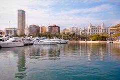 Alicante y puerto deportivo, España Imagen de archivo libre de regalías