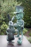 Alice στο άγαλμα χωρών των θαυμάτων Στοκ φωτογραφία με δικαίωμα ελεύθερης χρήσης