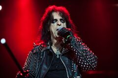 Free Alice Cooper  During The Concert Stock Images - 185131754