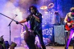 Alice Cooper na fase durante o concerto de rocha fotografia de stock