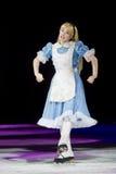 Alice dans le patinage du pays des merveilles Photos stock