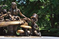 Alice i underland i Central Park Arkivbild