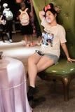 Alice i underlandlabyrint i Shanghai Disneyland, Kina arkivbilder