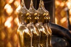 Alignement de Buddhas photographie stock libre de droits