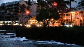 Alii-Antriebs-Kailua Kona große Insel Hawaii am Dämmerungs-Ozean und dem Verkehr stock video footage