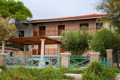 Alikanas, Zakynthos wyspy, Grecja †'Wrzesień 28, 2017: Typowy lato dom na Alikanas plaży, Zakynthos wyspa, Grecja Fotografia Royalty Free