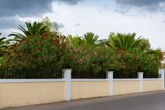 Alikanas, Zakynthos wyspy, Grecja †'Wrzesień 28, 2017: Typowy lato dom na Alikanas plaży, Zakynthos wyspa, Grecja Fotografia Stock