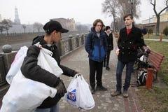 Alimentação dos sem abrigo Imagens de Stock Royalty Free