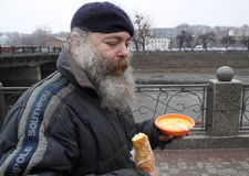 Alimentação dos sem abrigo Foto de Stock Royalty Free