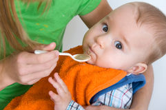 Alimentación del bebé Fotografía de archivo
