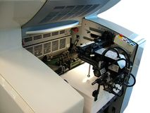 Alimentador del papel - prensa Imagen de archivo libre de regalías