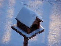 Alimentador do pássaro Fotografia de Stock Royalty Free
