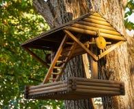Alimentador do pássaro Imagem de Stock Royalty Free