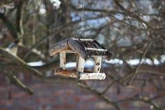 Alimentador 1 do pássaro Fotos de Stock Royalty Free
