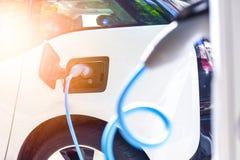Alimentation d'énergie pour le remplissage de voiture électrique Photo libre de droits