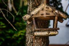 Alimentatore vuoto dell'uccello Immagini Stock Libere da Diritti