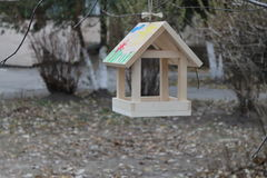 Alimentatori dell'uccello Fotografia Stock Libera da Diritti