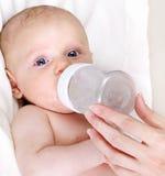 Alimentazione del bambino immagini stock libere da diritti