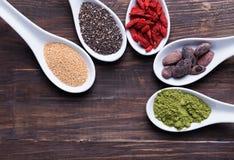 Alimenti eccellenti nei cucchiai Fotografia Stock Libera da Diritti