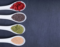 Alimenti eccellenti nei cucchiai Fotografia Stock