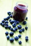 Alimenti per bambini - mirtilli Fotografia Stock