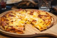 Alimenti a rapida preparazione della pizza Immagine Stock