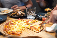 Alimenti a rapida preparazione della pizza Fotografia Stock