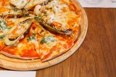 Alimenti a rapida preparazione della pizza Fotografia Stock Libera da Diritti