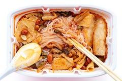 Alimenti a rapida preparazione delle tagliatelle di riso con le arachidi & il beancurd secco ecc immagini stock