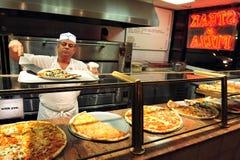 Alimenti a rapida preparazione - pizza Fotografie Stock