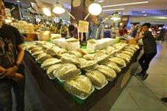 Alimenti tailandesi della via nel Durio del centro commerciale del mercato Fotografie Stock Libere da Diritti