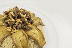 Alimento árabe sírio, índice: beringela, arroz, carne, ele nome do ` s em Makloba árabe Foto de Stock Royalty Free