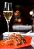 Alimento asiático e Champagne Fotografia de Stock