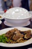 Alimento asiatico: Anatra brasata Fotografie Stock