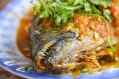 Alimento asiatico, riso fritto con frutti di mare fotografia stock