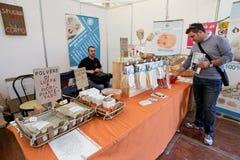 Alimento biológico y productos Imágenes de archivo libres de regalías