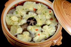Alimento chinês: Bolinhas de massa fervidas Fotografia de Stock Royalty Free