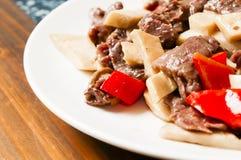 Alimento chinês--Cogumelo e carne Imagem de Stock Royalty Free