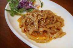 Alimento chinês do aperitivo das medusa do óleo de sésamo foto de stock