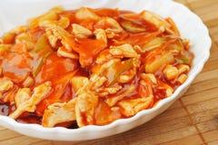 Alimento chinês no fim da placa acima Imagem de Stock Royalty Free