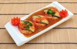 Alimento chinês - o gourmet grelhou camarões do tigre do rei foto de stock