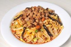 Alimento chino - tallarines Foto de archivo