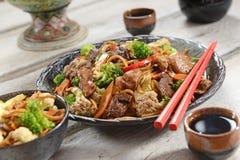 Alimento chinês - Yakissoba Fotografia de Stock