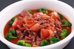 Alimento cinese di manzo e del pomodoro Fotografie Stock Libere da Diritti