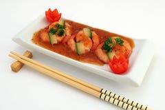 Alimento cinese gastronomico - gamberetti cotti alla griglia della tigre del re su bianco Immagini Stock Libere da Diritti