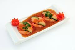 Alimento cinese - il Gourmet ha cotto alla griglia i gamberetti della tigre del re su bianco Fotografia Stock Libera da Diritti