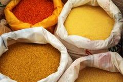 Alimento colorido en bolsos fotos de archivo libres de regalías