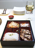 Alimento coreano - caixa de Pento Fotos de Stock